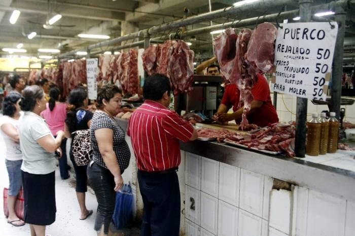 meat stand at mercado Lucas de Galvez
