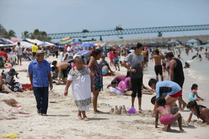 A large number of visitors arrived to Progreso this weekend (Photo: SIPSE)