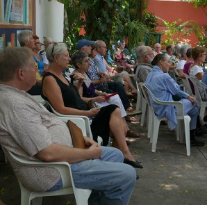 A lecture on mosquito-borne diseases attracted a large turnout to Merida English Library. (PHOTO: Fabiola Villaseñor)
