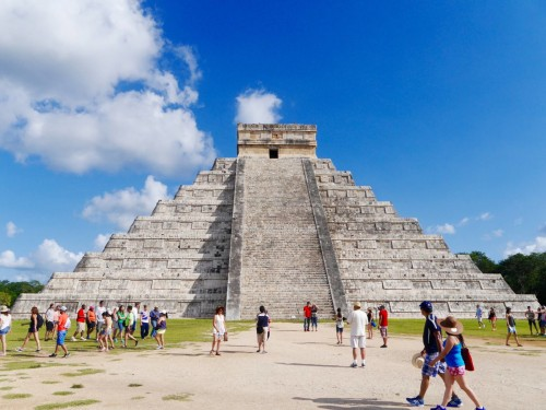 Crowds of tourists continue to grow at famous sites like Yucatan's Chichen Itza. (PHOTO: thetravellista.net)