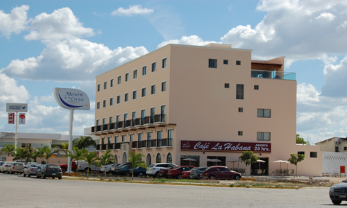 Hotel Meson de la Luna is located directly across the street from StarMedica Merida.