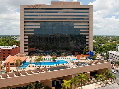 Hyatt Regency Hotel, one of several major chain hotels in Merida's northern hotel zone, is not far from hospitals and clinics.