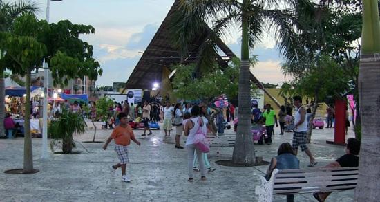 Parque Las Palapas Cancun (Photo: marginalboundaries.com)
