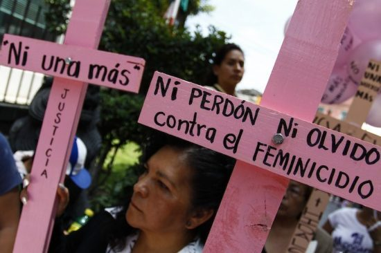 Women protest femicide in Mexico State. (PHOTO: sdpnoticias.com)