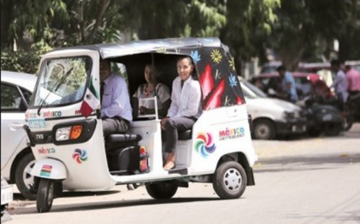 For the last three months, the Mexican Ambassador to India, Melba Pria, has been travelling across Delhi to attend meetings in a chauffeur-driven auto rickshaw (Photo: Twitter)