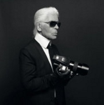 In the days leading up to the presentation until May 12, an exhibition displaying Mr. Lagerfeld's photography will be housed at the Factoria Habana.