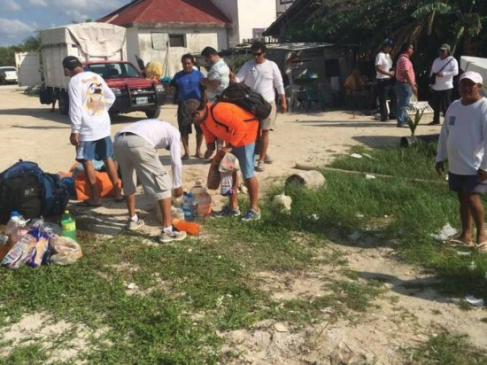 Fishermen from southern Quintana Roo help with search for five missing anglers from Isla Mujeres. (PHOTO: sipse.com)