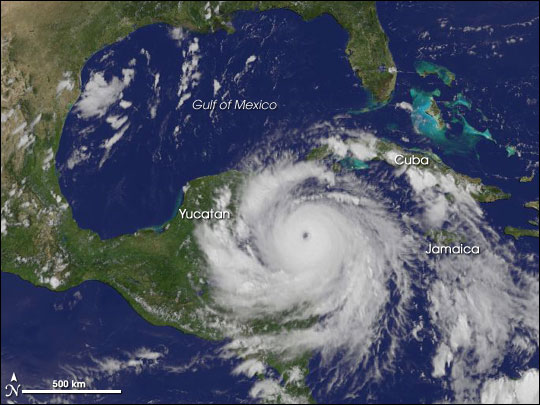 Hurricane Dean approaches the Yucatan Peninsula in 2007. (MAP: earthobservatory.nasa.gov)