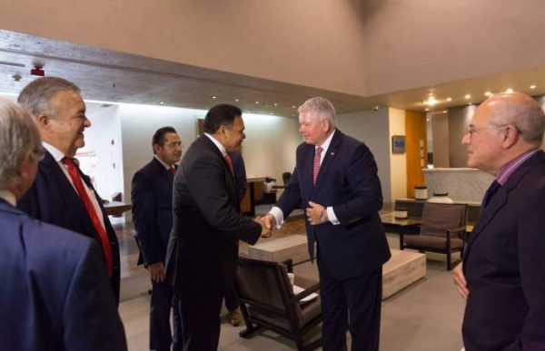 Yucatan Gov. Rolando Zapata Bello traveled to Mexico City to meet with Florida officials participating in the state's first official trade mission in 20 years. (PHOTO: sipse.com)