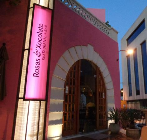 Restaurant entrance at Merida's Rosas & Xocolate Boutique Hotel. (PHOTO: tripadvisor.es)