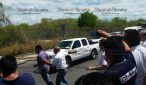 Attack on Uber near Merida International Airport Wednesday. (PHOTO: yucatan.com.mx)