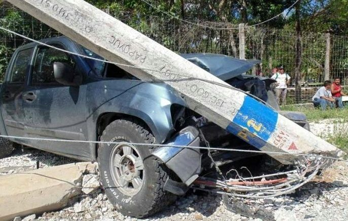 An auto accident knocked out Playa del Carmen's water supply. (PHOTO: riviera-maya-news.com)