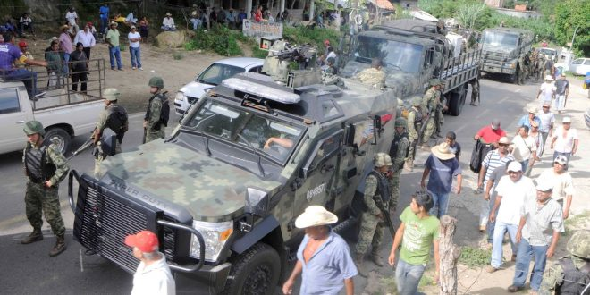 Mexican authorities arrested drug gang members accused of killing three police officers in Guerrero last year. (Photo: AP)