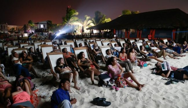 Film festival includes beach screenings. (PHOTO: riviera-maya-news.com)