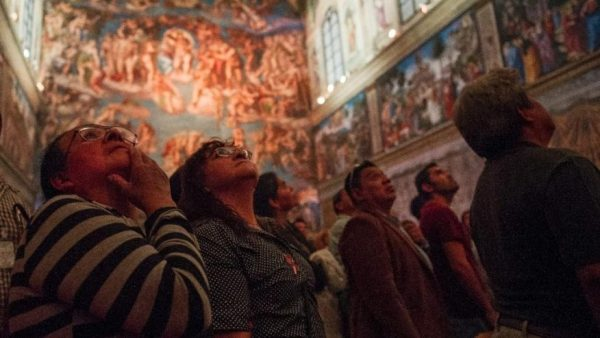 Visitors view Sistine Chapel replica in Mexico City. (PHOTO: foxnews.com)