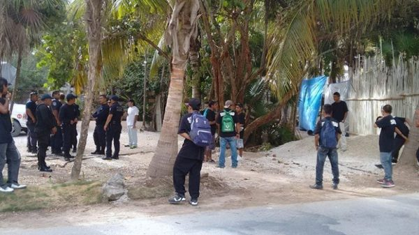 Tulum eviction was supervised by police. (PHOTO: riviera-maya-news.com)