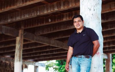 Javier Blanco, an accountant who helped his rural Quintana Roo town get internet connectivity. (PHOTO: forbes.com.mx)