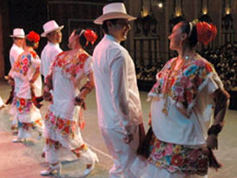 Folkloric dancers from Merida are performing in China. (PHOTO: yucatan.gob.mx)