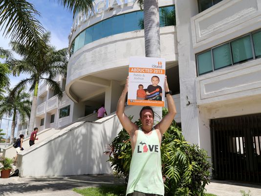 Eric Haan outside the courthouse in Playa del Carmen. (PHOTO: ap.org)