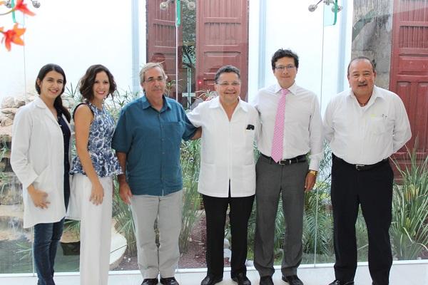 Andrea Coronel, Karla Sosa, Bill Crysler, Dr. Sosa, Luis Cabezas and Luis Martinez (Photo: CODY)