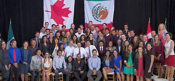 Prime Minister Trudeau and President Nieto take questions from youth during a Q&A at the Museum of Nature in Ottawa. June 28, 2016. /// Le premier ministre Trudeau et le président Nieto répondent aux questions de jeunes durant une séance de questions et réponses au Musée de la nature, à Ottawa. 28 juin 2016.