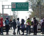 Teacher blockades in Oaxaca. (PHOTO: lopezdoriga.com)