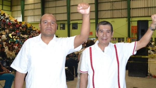 CNTE officials released on Friday Aug. 12 are Francisco Manuel Villalobos Ricardez (L) and Ruben Nuñez. (PHOTO: telesurtx.net)