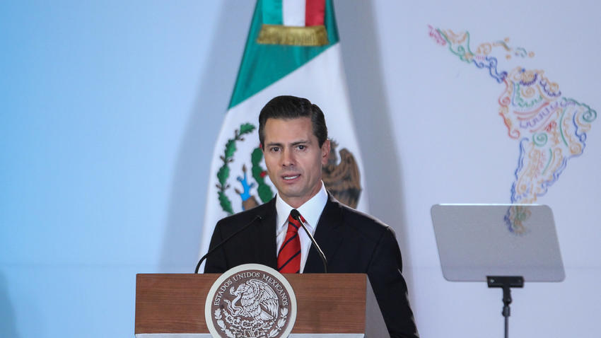 President Enrique Peña Nieto's approval rating continues to fall. (PHOTO: expansion.mx)