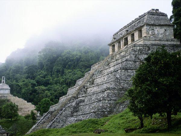 Temple at Palenque, Chiapas. (PHOTO: science.nationalgeographic.com)