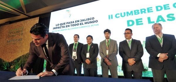 aristoteles-sandoval-governor-of-the-state-of-jalisco-signs-the-2016-climate-action-statement-during-the-aug-28-sept-1-2016-climate-summit-of-americas
