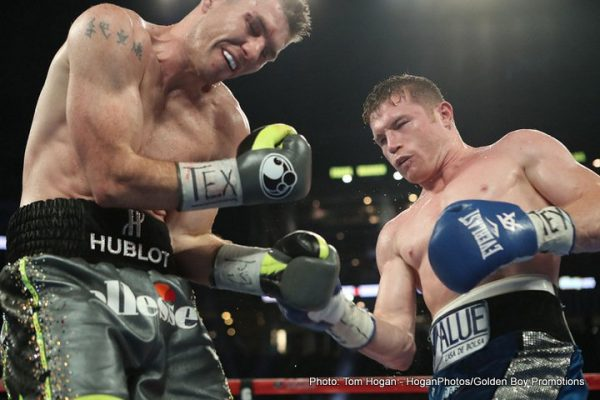 Canelo Alvarez (right) defeated Liam Smith. (PHOTO: boxingnews24.com)