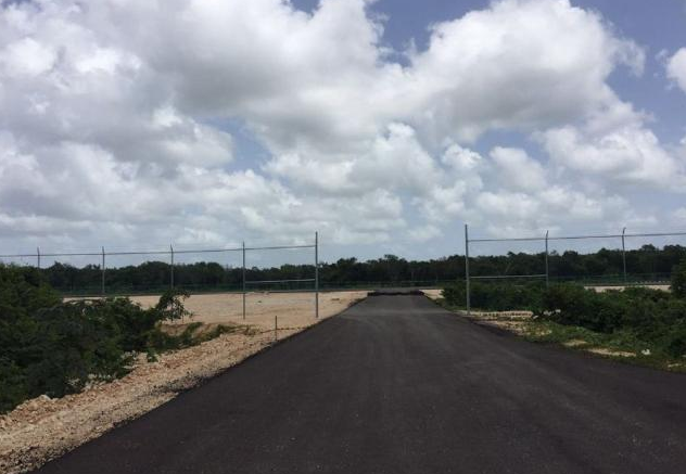Playa del Carmen airport construction is stalled. (PHOTO: riviera-maya-news.com)