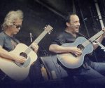 Dave Matthews, right, and Tim Reynolds.(PHOTO: dailypublic.com)