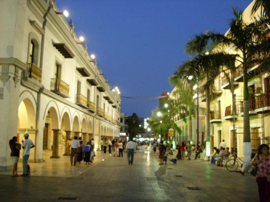 Veracruz's historic center. (PHOTO: hugo-hhmexico.blogspot.com)