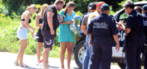 Four Spanish tourists robbed at gunpoint on Cozumel. (PHOTO: noticaribe.com.mx)