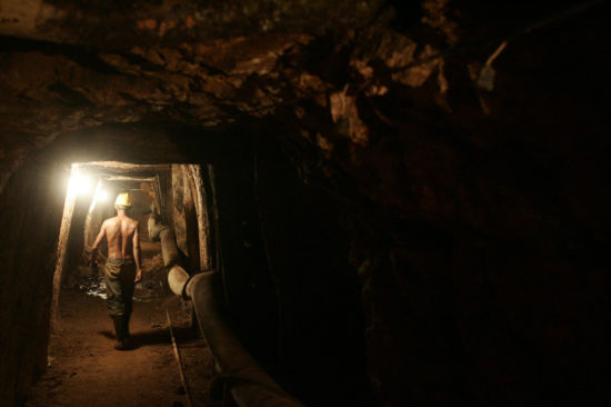 A small gold mine in southern Honduras. (PHOTO: reuters.com)