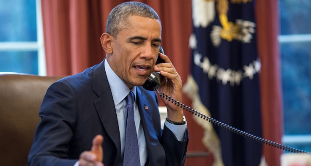 President Barack Obama talking on the phone (Photo: Archive dailydot.com)