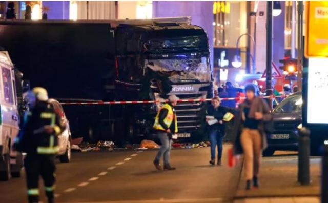 Berlin terror attack: at least nine dead, 50 injured as truck ploughs into crowd at Christmas market (Photo: Telegraph)