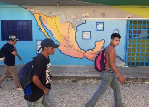 Central American migrants are finding at least pas shelter in places like Tenosique, Tabasco. (PHOTO: latimes.com)