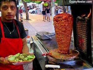 Tacos al pastor vendor in Cancun. (PHOTO: huffingtonpost.com)