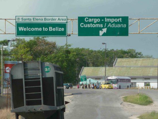 Belize-Mexico border crossing. (PHOTO: Expatiator)