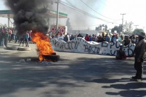 Protesters decried gasoline price hikes. (PHOTO: Proceso)