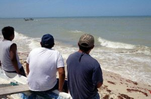 The Mexican Navy has joined the search for two lost Sisal fishermen. (PHOTO: sipse.com)