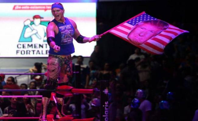 US wrestler supports Trump in Mexican arena