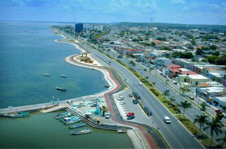 Campeche's Gulf-front malecon. (PHOTO: elfinanciero.com)