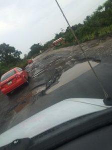 Potholes southeast of Cordoba, Veracruz. (PHOTO: Chuck Bolotin)