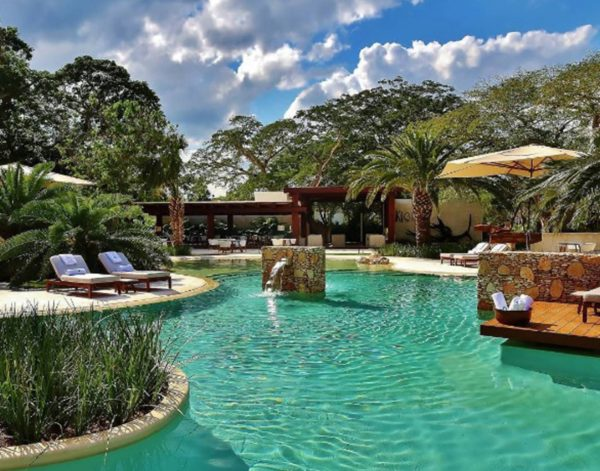 Hotel Chablé Pool Area (Photo: El País)
